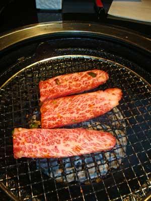 Boeuf de Kobé massé et élevé à la bière!! un must au Japon.